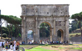 Рим затягивает туристов в бурный круговорот памятников