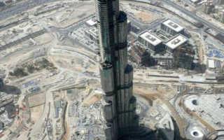 Самый высокий небоскреб посроен в ОАЭ