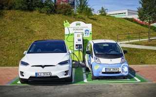 Американцы не видят разницы между электромобилем и гибридом
