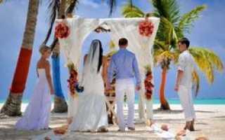 Все больше соотечественников празднуют свадьбу за рубежом
