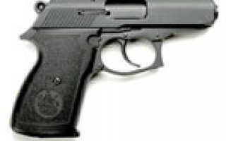В одни руки два пистолета