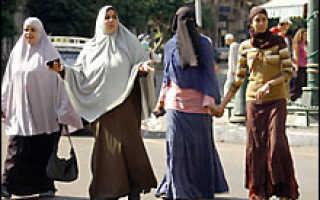 Купальники, женские брюки, мини-юбки и шорты под запретом в Египте