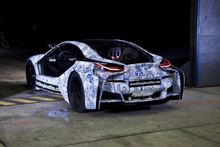 гибридный спорткар BMW