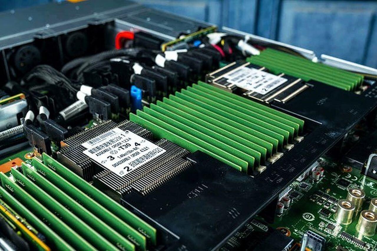 Запрет на поставки продукции Intel для Inspur может оказать серьезное влияние на глобальный серверный рынок