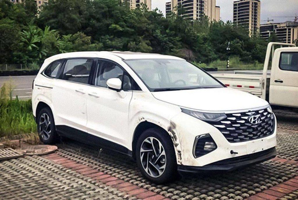 Hyundai Custo
